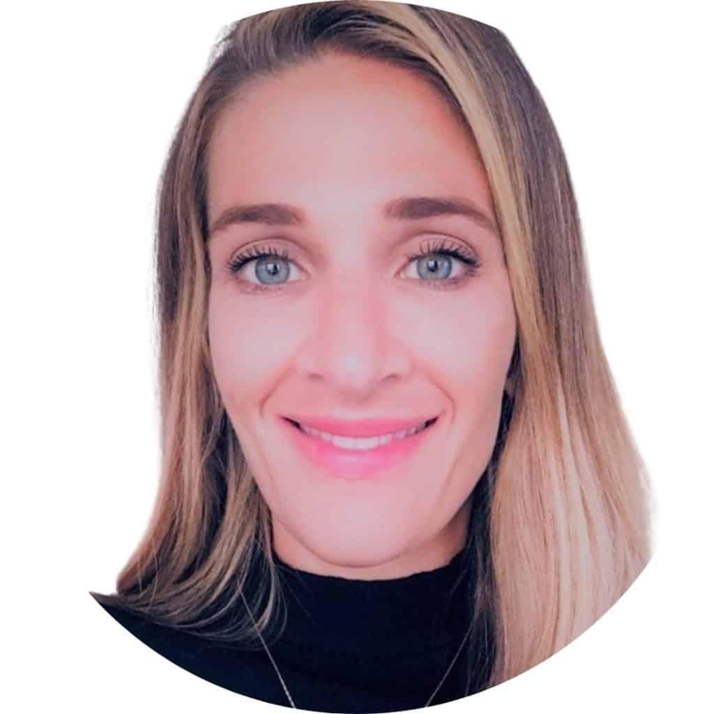 Lauren Kosc Circle Headshot